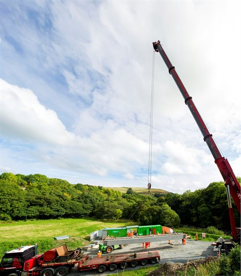 The 450 Tonne Crane Gets Ready For Work